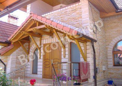Фасад из натурального камня